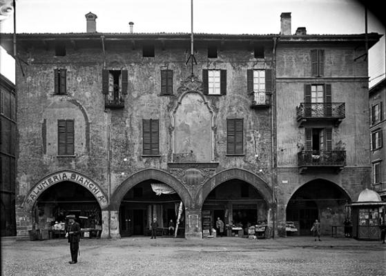 Archivio chiolini photogallery - Pavia porta garibaldi ...