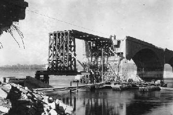 Pavia e dintorni la ricostruzione dei ponti sul ticino for Piani di idee per la costruzione di ponti